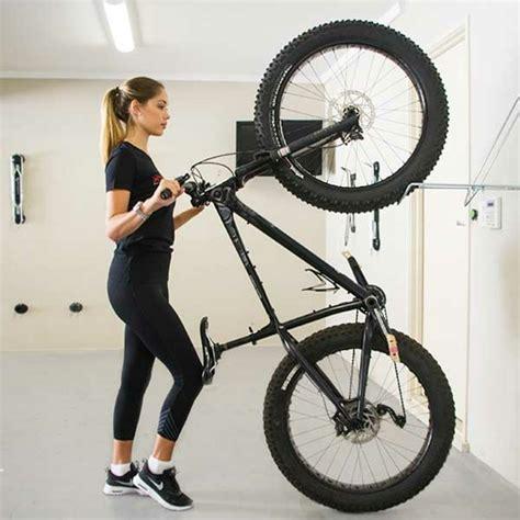 Crochet Pour Suspendre Vélo by Un Rangement V 233 Lo Nous Allons Vous Aider 75 Id 233 Es