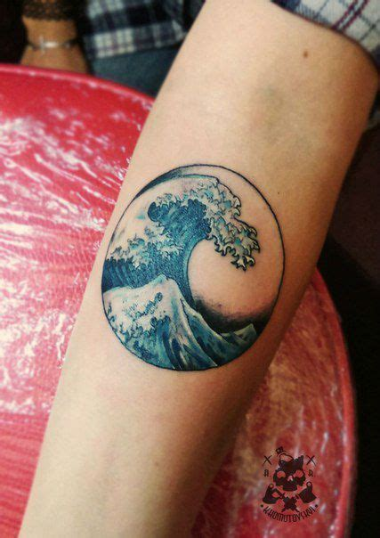 ocean tattoos best 25 wave tattoos ideas on small wave