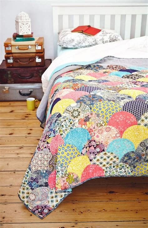 Clamshell Patchwork - 25 unique patchwork quilting ideas on
