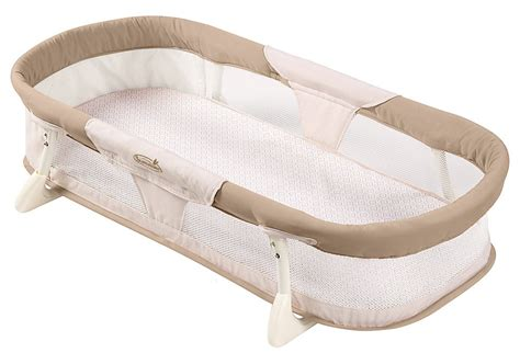 summer infant travel bed 15 baby travel items we travel with and you should too