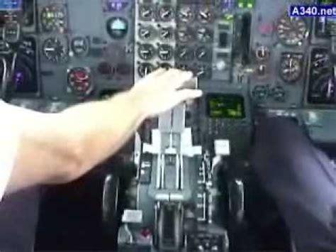 atterraggio aereo dalla cabina aerei decollo di un boeing 737 filmato dalla cabina wmv
