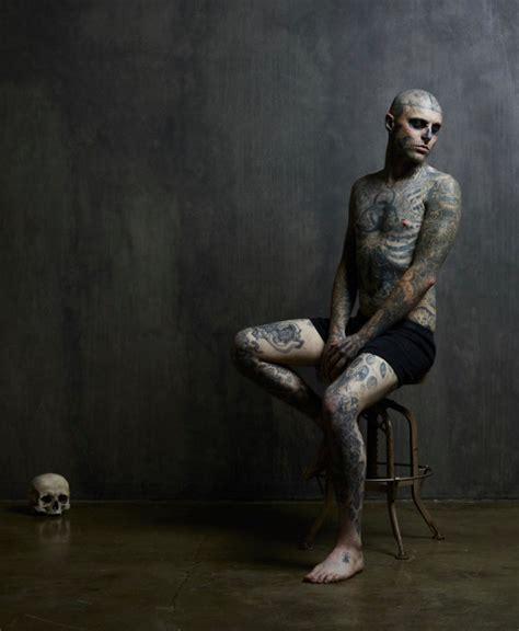 man with full body zombie tattoo 15 amazing full body tattoos amazing beautiful world