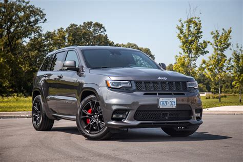 jeep srt review 2017 jeep grand cherokee srt canadian auto review
