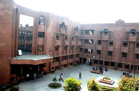 Amity Noida Mba In Hospitality by Asibas Mba College Noida Amity School Of Insurance