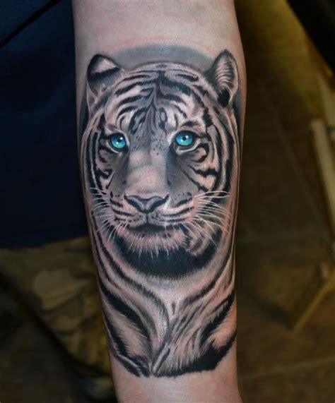 tiger lotus tattoo these tiger tattoos are grrrrreat ink me