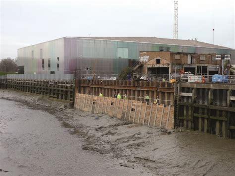 thames barrier failure flood defences on river thames constructalia