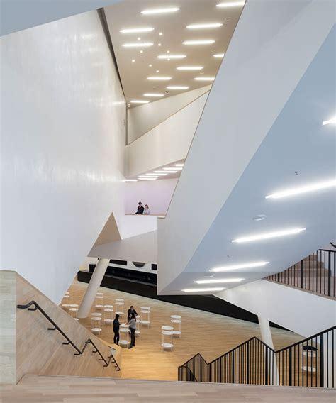 Foyer Elbphilharmonie by Elbphilharmonie Ad Amburgo La Quot Nave Quot Di Cristallo Di
