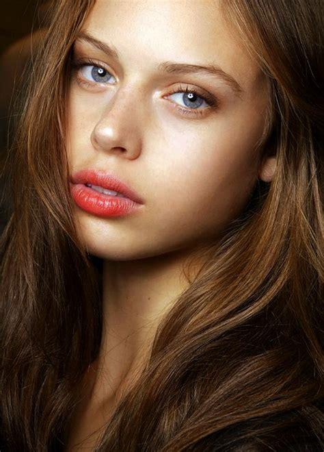 Dewy Skin Makeup