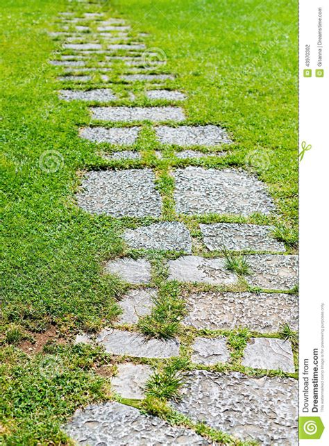Garten Boden Steine by Paved Garden Stock Photo Image Of Lifestyle Road