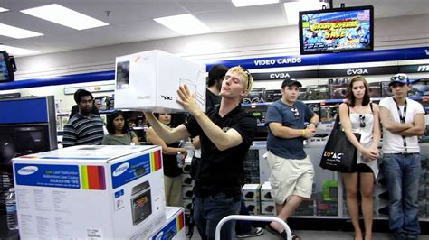 Ncix Giveaway - ncix mississauga grand opening in store giveaways round 2 ncix tech tips youtube