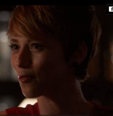 hairstyles of margaux on revenge 26 best images about karine vanasse on pinterest seasons