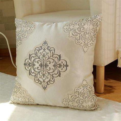 cuscini x divani cuscini per divano fai da te idee per il design della casa