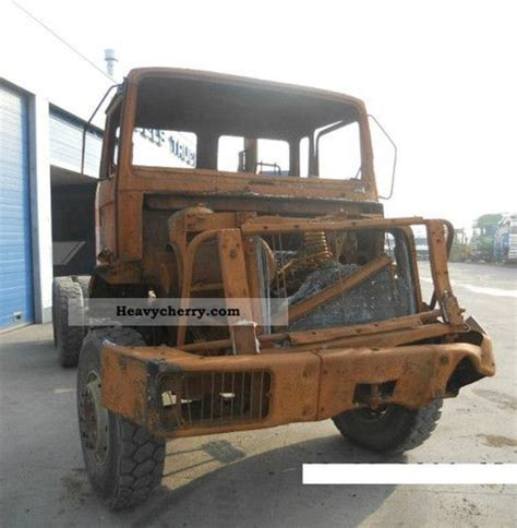 renault c290 1989 chassis truck photo and specs