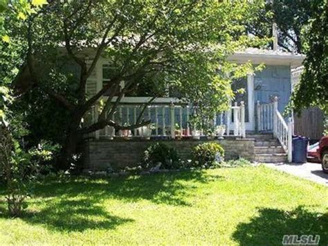 rocky point houses for sale 21 zenith rd rocky point ny 11778 detailed property info reo properties and bank