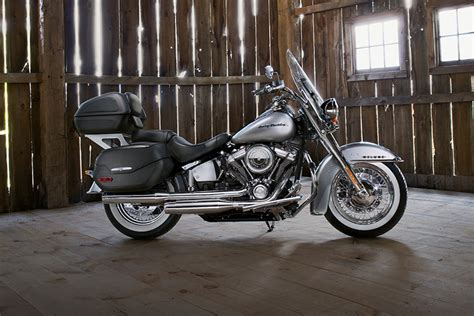 2018 softail deluxe 2018 softail deluxe harley davidson cruisers review