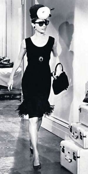 coco chanel little biography coco chanel biography the woman who changed the world of