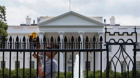 white house fence metal spikes installed on white house fence in latest security renovation abc news