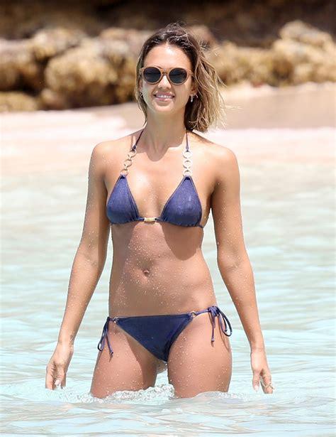 jessica alba hot in bikini in the caribbean april 2015