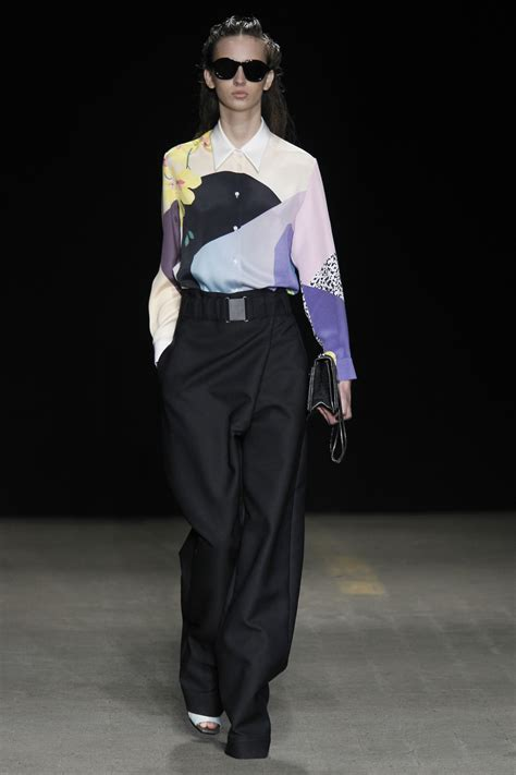 New York Fashion Week Phillip Lim by New York Fashion Week Phillip Lim Fall 2014 Flare