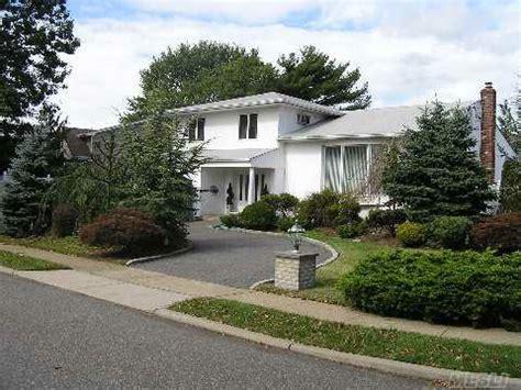 merrick ny homes for sale