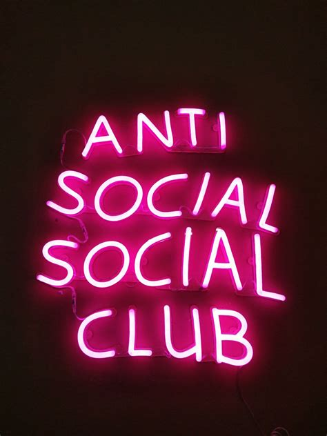 Tshirtkaos Anti Social Social Club custom neon sign by echo neon studio neon n 233 on lits et 201 cran
