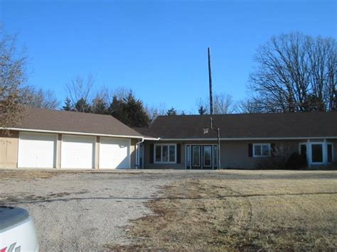717 se y hwy knob noster missouri 65336 foreclosed home