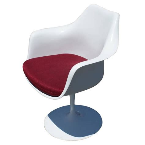 eero saarinen tulip armchair 1 original knoll eero saarinen swivel tulip armchair for