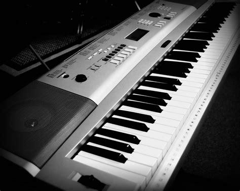 Keyboard Orgen Yamaha live sound equipment pkrp