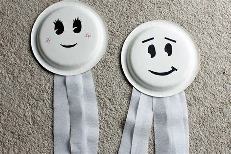 Paper Plate Ghost Craft - paper plate ghosts who arted