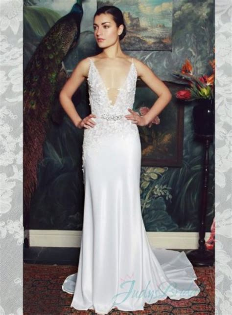 Wedding Hairstyles V Neck Dress by Wedding Hair With V Neck Dress Plunging V Neck