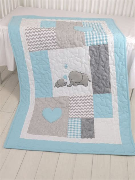 Patchwork Baby Quilt Patterns - 25 best ideas about elephant quilt on