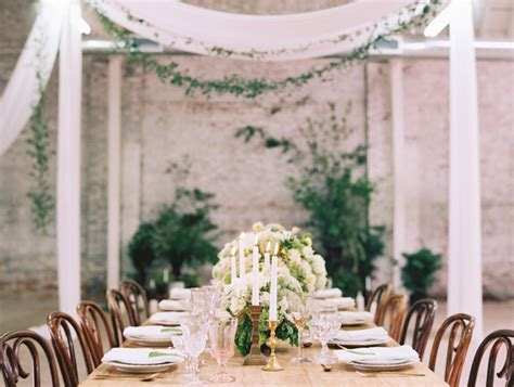 simple ways to pull a minimalist chic wedding theme