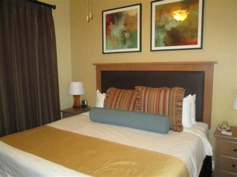 wyndham grand desert 3 bedroom bedroom 2 of 3 bedrooms picture of wyndham grand desert las vegas tripadvisor