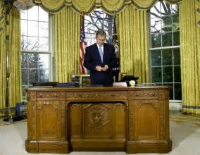 Gold Curtains In The Oval Office Donald Trump Already Redecorated The Oval Office And Of