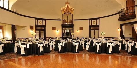 Reading Country Club Weddings   Get Prices for Wedding