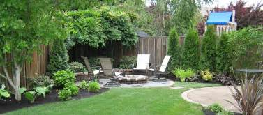 how to design a backyard simple landscaping ideas for a small space simple