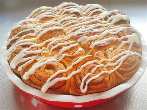 Cinnamon Rolls With Cheese Frosting cinnamon rolls with cheese frosting rezept mit bild