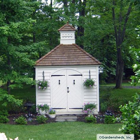 saltbox style colonial homes and out buildings pinterest 1000 images about garden sheds greenhouse gates on