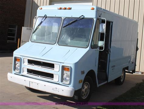 1992 chevrolet p30 step no reserve auction on
