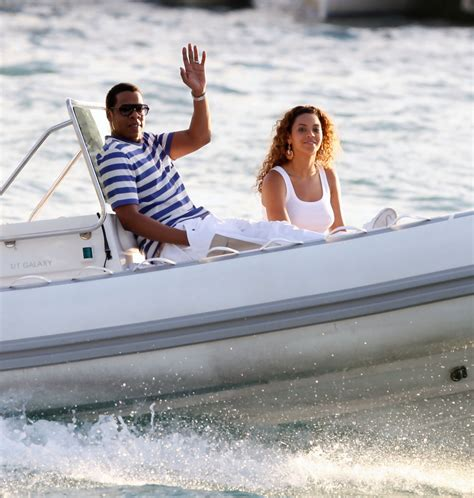 Beyonces On A Yacht by Beyonce Knowles In Z Beyonce Cruisin On A Boat Zimbio