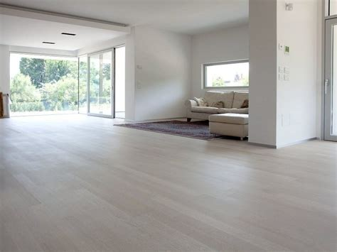 pavimento in legno prefinito parquet prefinito in legno colorsuite menotti specchia
