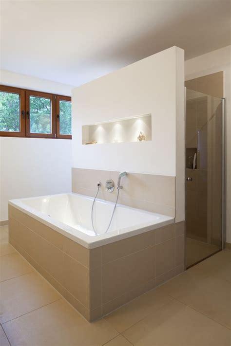 badezimmer quadratisch anbau f neues gro 223 z 252 giges masterbad mit bodengleicher