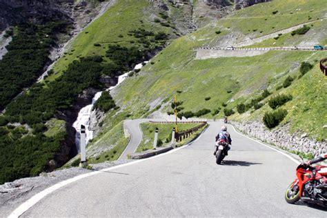 Motorrad Hotel Gardasee by Motorradrouten Zum Gardasee