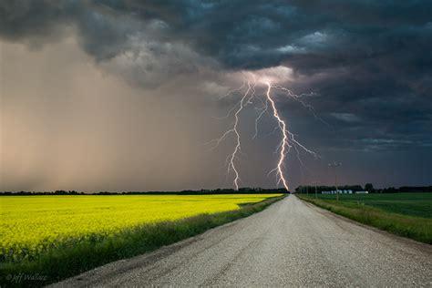 Lighting Storms 壁紙 畑 道 Jeff Wallace 雷 雷雲 自然 ダウンロード 写真