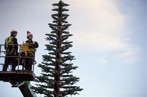 consolato gran bretagna gran bretagna 300mila lego per l albero di natale
