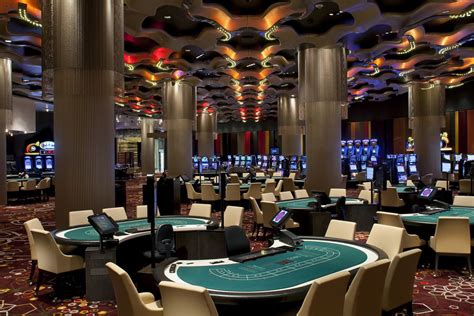 play poker  macau