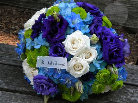 Dr Kevin Thistle Flower Coklat wedding flowers from springwell september 2011