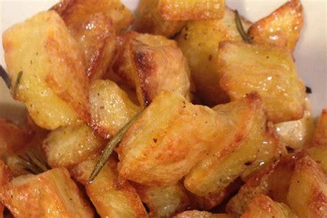 come cucinare le patate fritte come fare le patate croccanti al forno non fritte