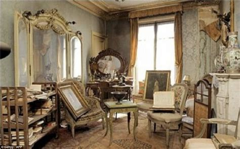the interiors of the parisian apartments inside the paris apartment untouched for 70 years