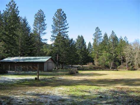 property for sale in southern oregon on 5 acres